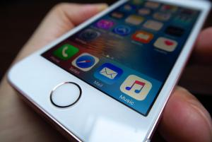 Apple-iPhone-SE_056.jpg