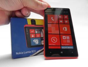 Nokia-Lumia-820-review-GSMDome-com_33.JPG