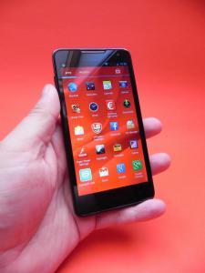 Prestigio-MultiPhone-5044-DUO-review-mobilissimo-ro_02.JPG