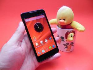 Prestigio-MultiPhone-5044-DUO-review-mobilissimo-ro_07.JPG