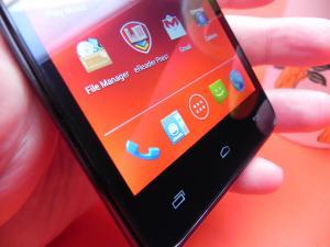 Prestigio-MultiPhone-5044-DUO-review-mobilissimo-ro_10.JPG